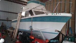 Used Uniflite 31 Fly Bridge Sports Fishing Boat For Sale
