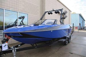 Used Axis Wake Research T23Wake Research T23 Ski and Wakeboard Boat For Sale