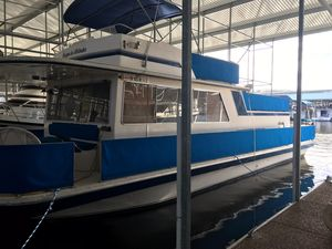 Used Gibson 44 Sport House Boat For Sale
