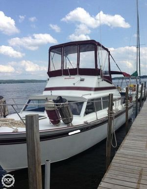 Used Marinette 28 Sportsman Sports Fishing Boat For Sale