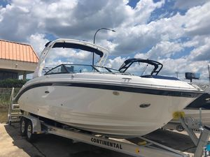 New Sea Ray SDX 270 Outboard Bowrider Boat For Sale