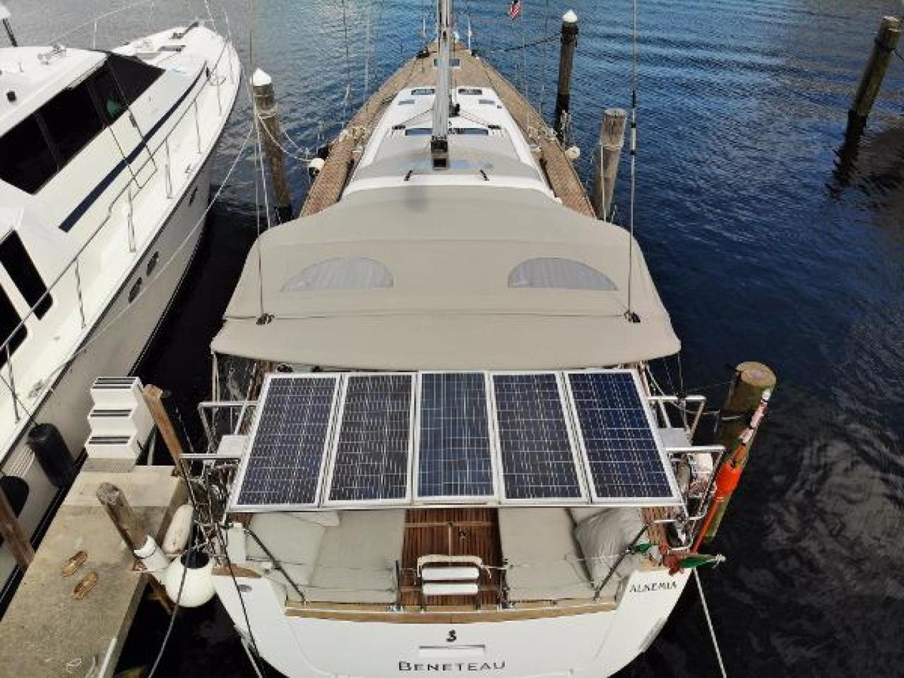 2016 Used Beneteau Oceanis 60 Cruiser Sailboat For Sale