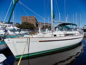 Used Beneteau Oceanis 40 CC Cruiser Sailboat For Sale