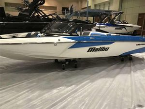 New Malibu TXiTXi Ski and Wakeboard Boat For Sale