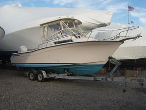 Used Grady-White 268 Islander WA Cruiser Boat For Sale