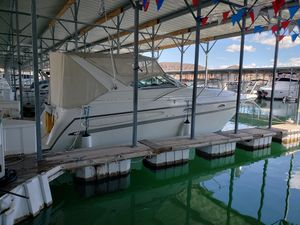Used Maxum SCR Cruiser Boat For Sale