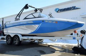 Used Tige R20R20 Ski and Wakeboard Boat For Sale