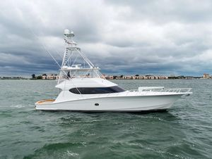 Used Hatteras 68 Convertible Motor Yacht For Sale