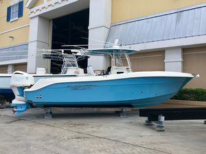 Used Hydra-Sports 3000 Center Console Center Console Fishing Boat For Sale
