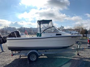 Used Trophy 1802 Walkaround Center Console Fishing Boat For Sale