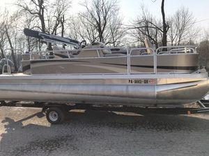 Used Bennington 22 SF Pontoon Boat For Sale
