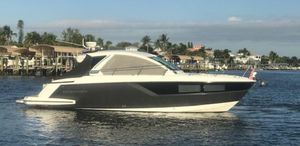 Used Monterey 360 Sport Coupe Cruiser Boat For Sale
