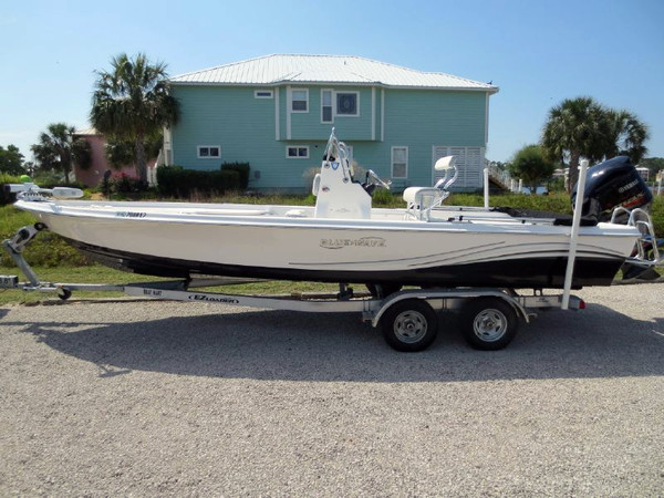 Used Blue Wave 2400 Pure Bay Center Console Fishing Boat For Sale