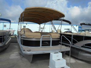 Used Bennington 2275GCW2275GCW Pontoon Boat For Sale
