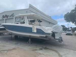 New Boston Whaler 350 Realm Sports Fishing Boat For Sale