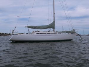 Used Avance 33 Racer and Cruiser Sailboat For Sale