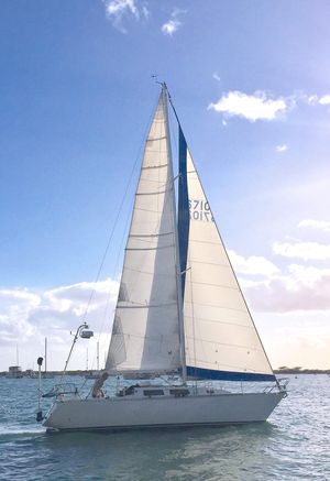 Used Peterson Chita 33 Racer and Cruiser Sailboat For Sale