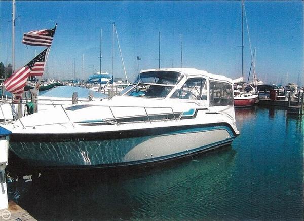 Used Carver Montego 2557 Express Cruiser Boat For Sale