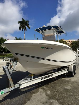 Used Clearwater 23cc23cc Center Console Fishing Boat For Sale
