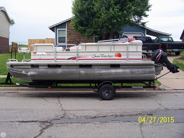 Used Sun Tracker 200 Party Barge Pontoon Boat For Sale