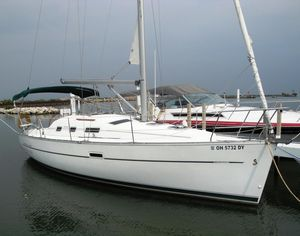 Used Beneteau 323 Cruiser Sailboat For Sale