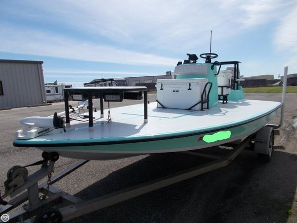 Used Newwater 18 Curlew Flats Fishing Boat For Sale