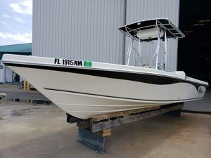 Used Sea Chaser 230 LX Bayrunner Center Console Fishing Boat For Sale