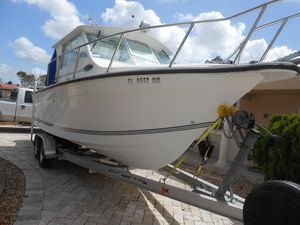 Used Baha Cruisers 25gle Express Cruiser Boat For Sale