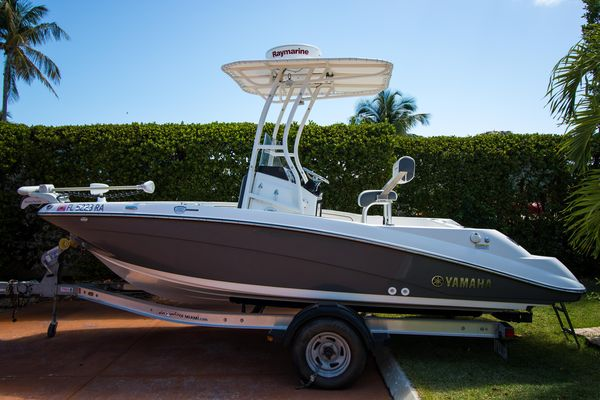 Used Yamaha Boats 190 Fish Center Console Center Console Fishing Boat For Sale