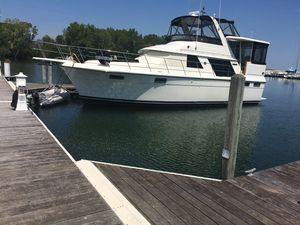 Used Carver 42 Aft Cabin Motoryacht Motor Yacht For Sale