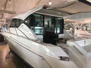 New Tiara 39 Coupe Motor Yacht For Sale