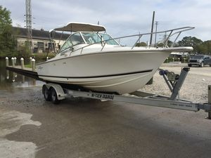 Used Albemarle 248 Express Fisherman Freshwater Fishing Boat For Sale