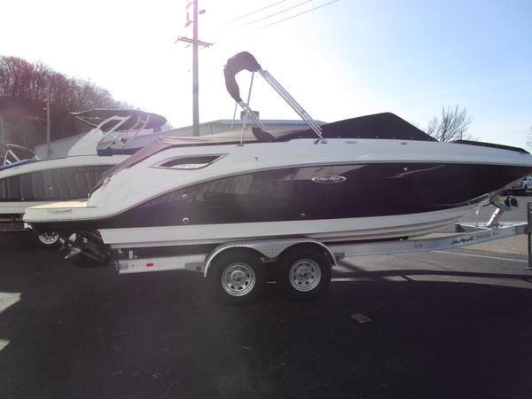 New Sea Ray Deck Boat For Sale