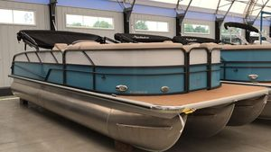 New Misty Harbor Biscayne Bay BF B-2285BFBiscayne Bay BF B-2285BF Pontoon Boat For Sale