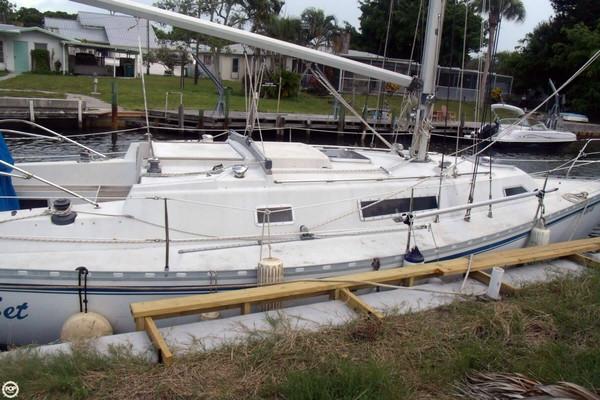 Used Beneteau 37 Sloop Sailboat For Sale