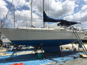 Used C&c Shoal Draft 35 Racer and Cruiser Sailboat For Sale