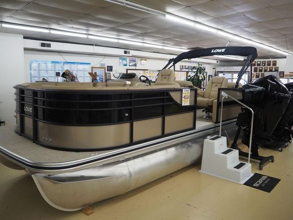 New Lowe Boats Retreat 250 RFLBoats Retreat 250 RFL Pontoon Boat For Sale