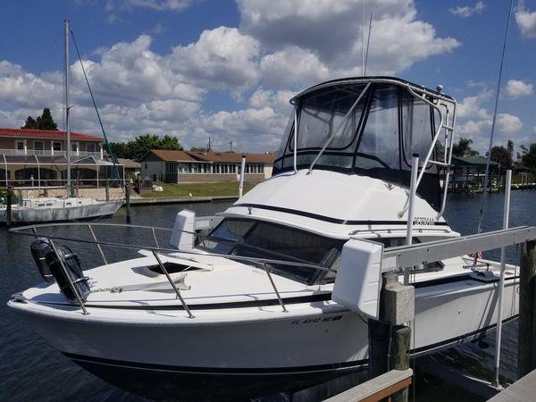 Used Bertram 28 Flybrige Diesel Saltwater Fishing Boat For Sale