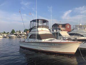 Used Egg Harbor 33 Sedan Cruiser Boat For Sale
