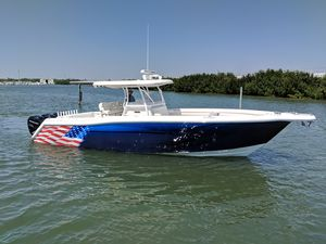 Used Stamas Yacht 390 Tarpon Center Console Fishing Boat For Sale