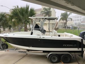 Used Robalo R240 Center Console Center Console Fishing Boat For Sale
