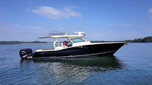Used Scout 420 LXF Sports Fishing Boat For Sale