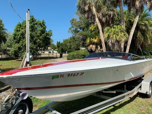 Used Donzi 22 Classic Sports Fishing Boat For Sale