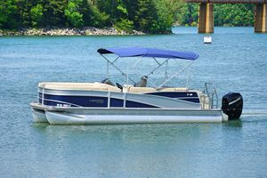 Used Harris Flotebote Grand Mariner 230 Pontoon Boat For Sale