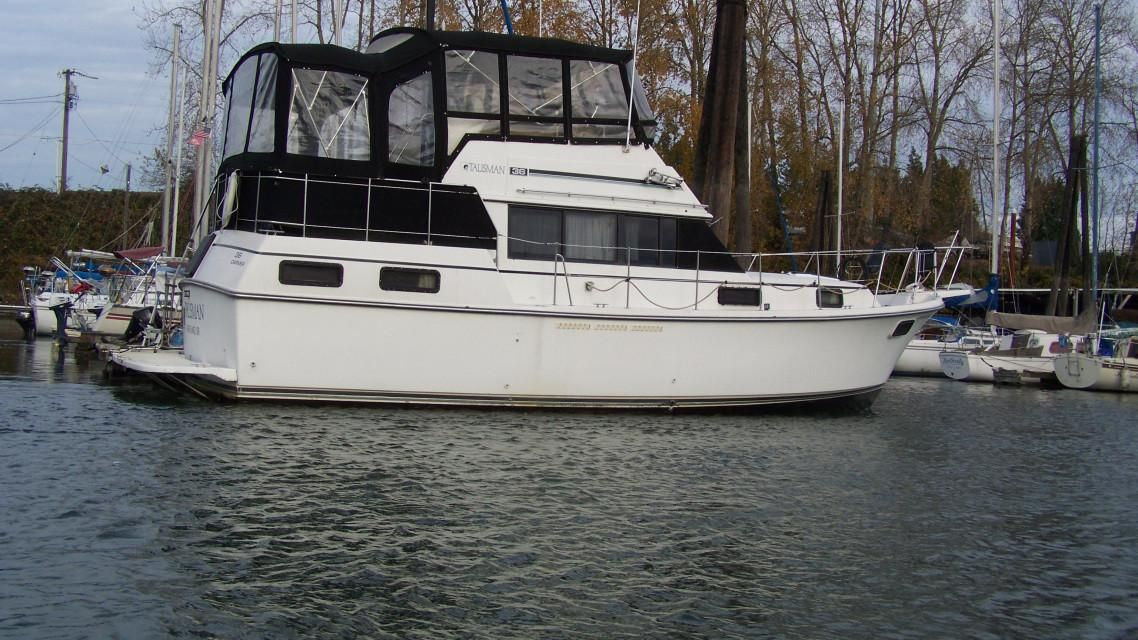 1988 Used Carver 36 Aft Cabin Cruiser Boat For Sale - $28,000