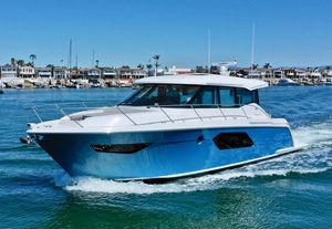 New Tiara C49 Coupe Motor Yacht For Sale