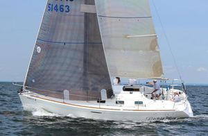 Used Beneteau First 33.7 Racer and Cruiser Sailboat For Sale