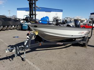 Used Alumacraft Competitor 185 CS Freshwater Fishing Boat For Sale