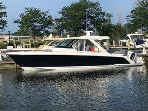Used Tiara 38 LS Motor Yacht For Sale