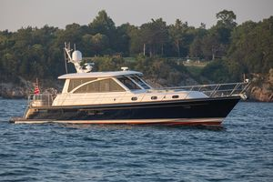 Used Hunt Yachts 52 Motor Yacht For Sale
